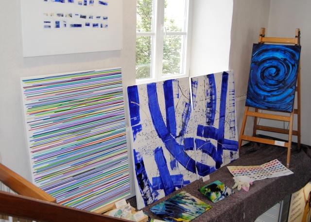 abstrakte Kunst Ausstellung, Kunst in blau, Acrylbilder in blau, Astrid Stöppel, Ausstellung, exhibition, Weilheim, astridstoeppel.com, modern art, contemporary art, acrylic, modern living, living in blue, blue art